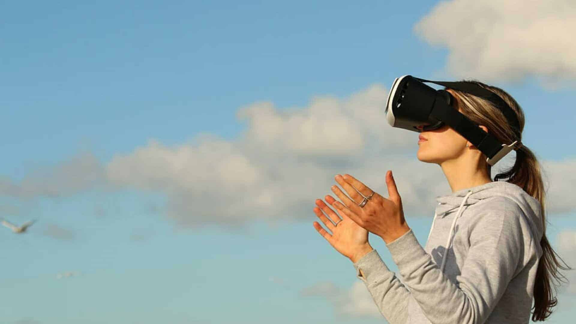 woman wearing VR glasses