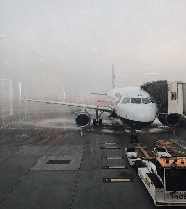 Can airplanes fly in the rain?