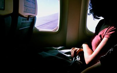 11 Tips For Surviving Long Flights – Complete Guide