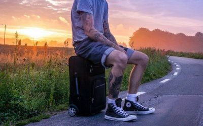 Best Affordable Travel Luggage For Men (Reviews For 2021)